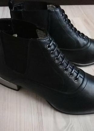 Женские ботиночки,размер,все на фото новые 38
