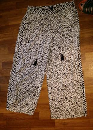 Легкие черно-белые свободные прямые штаны брюки палаццо на резинке  lindex