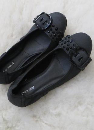 Отличные туфли-балетки с красивыми носками, садятся идеально по ножке. размер 38