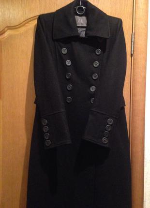 Чёрное классическое демисезонное пальто размер м 38