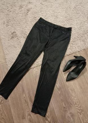 Красивые брюки прямого кроя