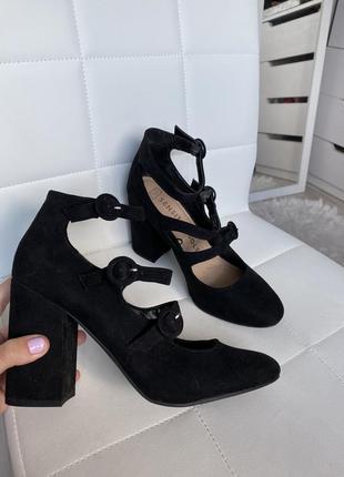 Туфли на устойчивом каблуке sensitivesol