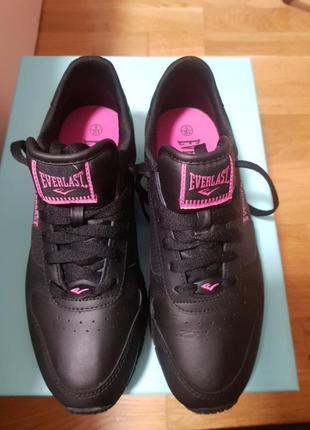 Кожаные классические кроссовки