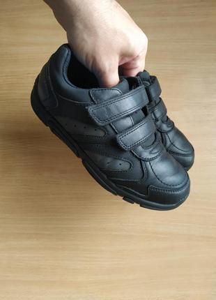 Кожаные кроссовки clarks еа липучках