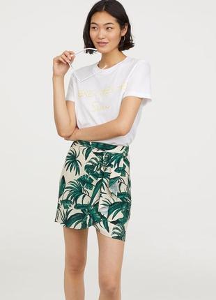 Юбка с принтом листьев и оборкой