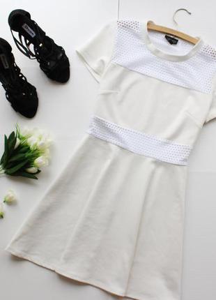 Красивое платье с сеточкой и юбкой солнце клеш