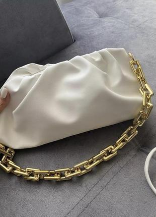Трендовая сумка багет