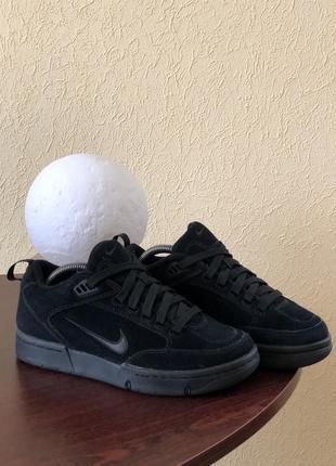 Замшевые кроссовки nike