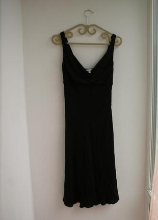 Очень красивое чёрное платье с люрексом gianfranco ferre