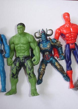 Набор супергероев 10-12 см