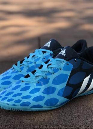 Adidas predito instinct in футзалки