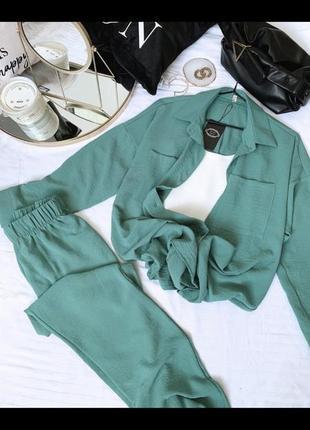 Лёгкий летний костюм штаны и рубашка