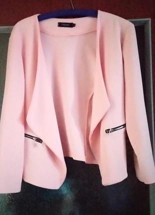 Красивый итальянский пиджак, жакет