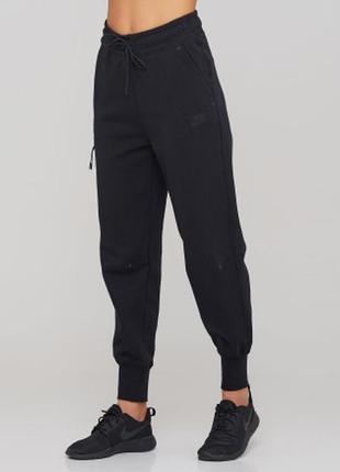 Женские спортивные штаны nike