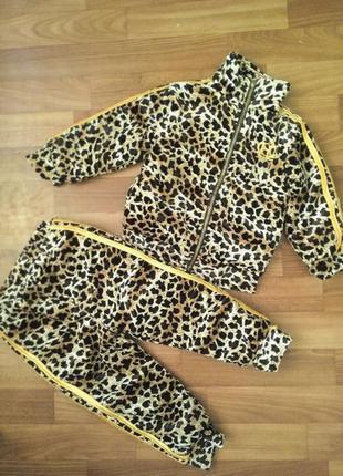 Леопардовый теплый костюм с шапочкой. мега крутой. возраст 1-2 года
