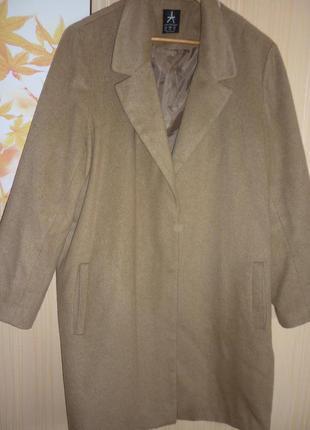 Пальто большого размера 54