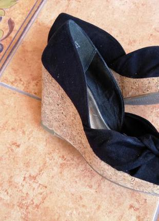 Туфли на танкетке фимы нм размер 37.