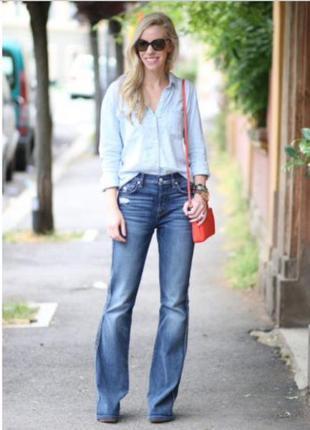 Легкие летние джинсы с потертостями tu
