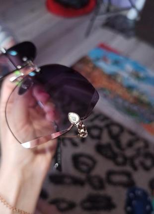 Стильні сонячні окуляри зі стразами 100 грн.2 фото