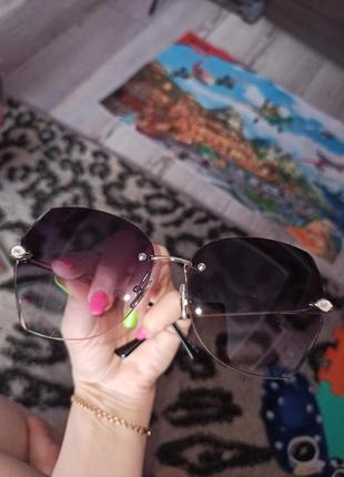 Стильні сонячні окуляри зі стразами 100 грн.5 фото