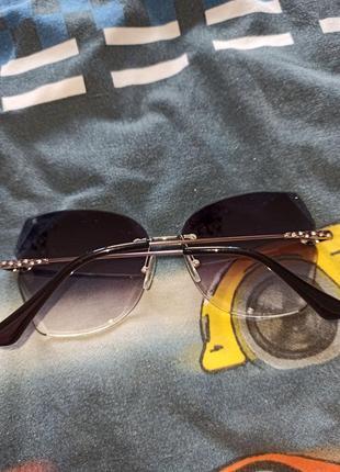 Стильні сонячні окуляри зі стразами 100 грн.8 фото