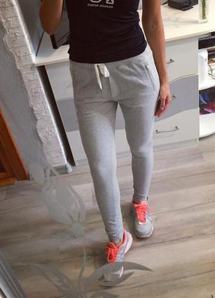 Спортивные серые штаны adidas original , лосины