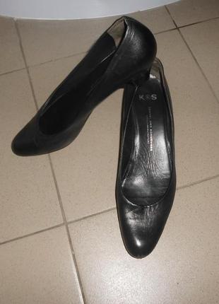 Туфли на низком каблуке натуральная кожа