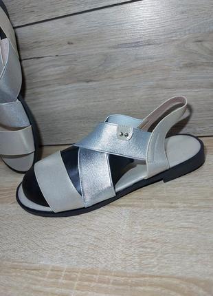 Босоножки женские 🍓 резинка низкий ход сандалии лето босоніжки сандалі