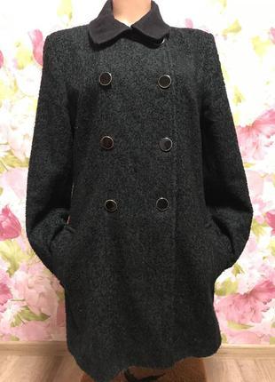 Пальто чёрный с зелёным