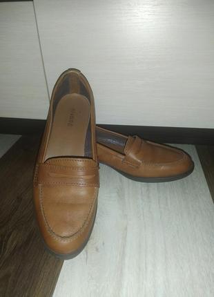 Туфли кожаные от andre 37р