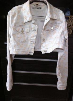 Укороченный джинсовый пиджак болеро