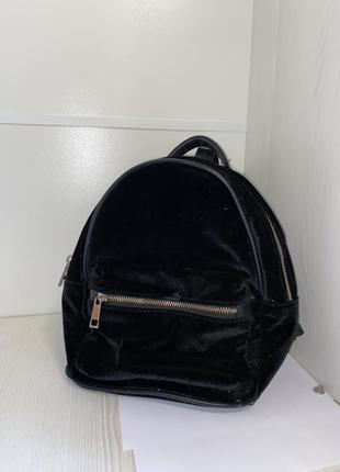 Черный бархатный рюкзак