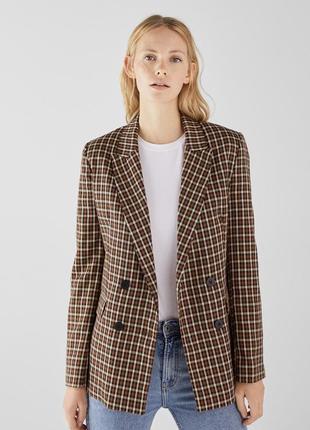 Стильный трендовый пиджак жакет в клетку фирмы bershka xs