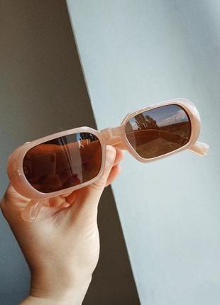 Очки узкие бежевые телесные прямые прямоугольные коричневые солнцезащитные1 фото