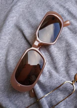 Очки узкие бежевые телесные прямые прямоугольные коричневые солнцезащитные3 фото