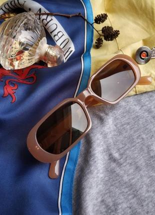 Очки узкие бежевые телесные прямые прямоугольные коричневые солнцезащитные2 фото