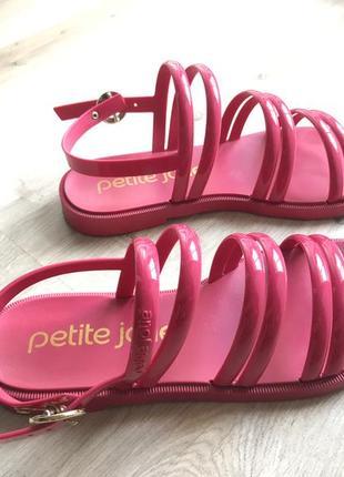 Резиновые сандалии petite jolie