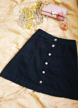 Джинсовая чёрная юбка трапеция на пуговицах от h&m