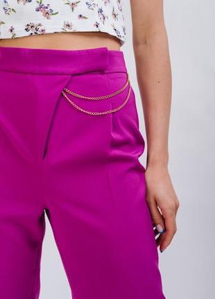 Укорочені брюки з цепочкою