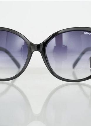 Очки женские солнцезащитные брендовые- черные  италия