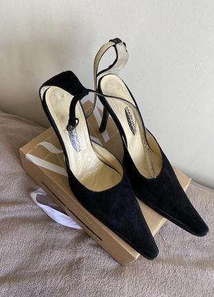 Шыкарные туфли из натурального замша