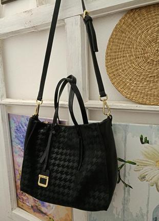 Innue италия черная кожанная сумка новая