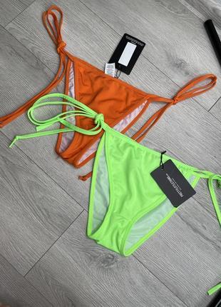Яркие плавки от купальника на завязках