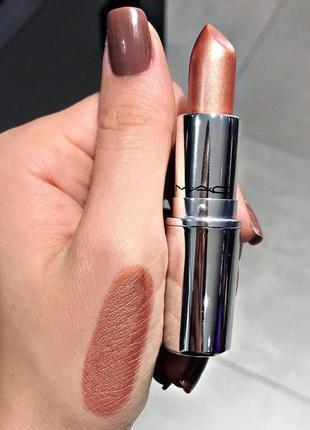 Лимитированная губная помада mac shiny pretty things lipstick - at leisure