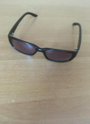 Молодіжні окуляри від сонця