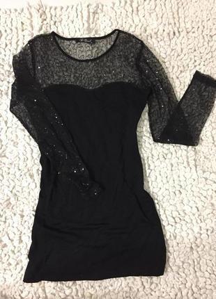 Маленькое чёрное платье мини с паетками вырез сердечком сетка