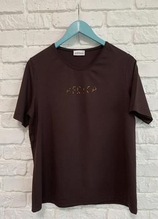 Базовая футболка, германия. красивый шоколадный цвет