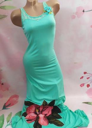 Роскошное летнее длинное платье со стразами