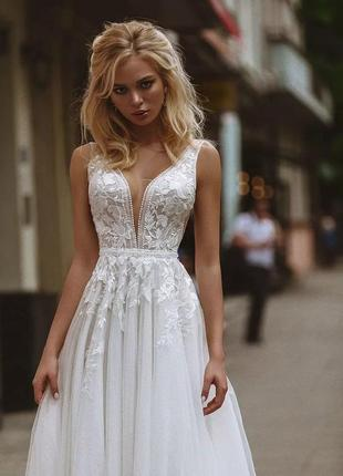 Кружевное, свадебное платье в пол