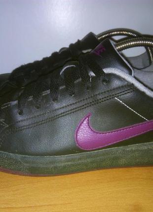 Nike main draw 330249-003.